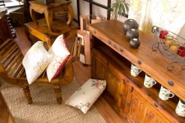 Pečující přípravky na nábytek prodlouží jeho životnost