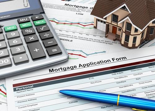 Koupě domu s makléřem nebo bez? Na co si dát pozor a co vše si o nemovitosti zjistit