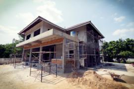 Rekonstrukce domu – s firmou nebo svépomocí?